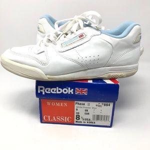 True VINTAGE Reebok 1990's Lowtop Fashion Sneakers